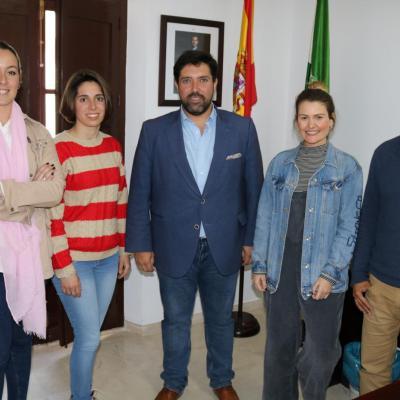 burgemeester van Lora del Rio Antonio Enamorado in actie