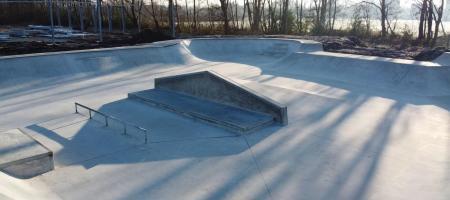 foto van leeg skatepark 'Turtle Yard' in vogelperspectief