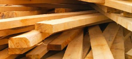 stapel met hout